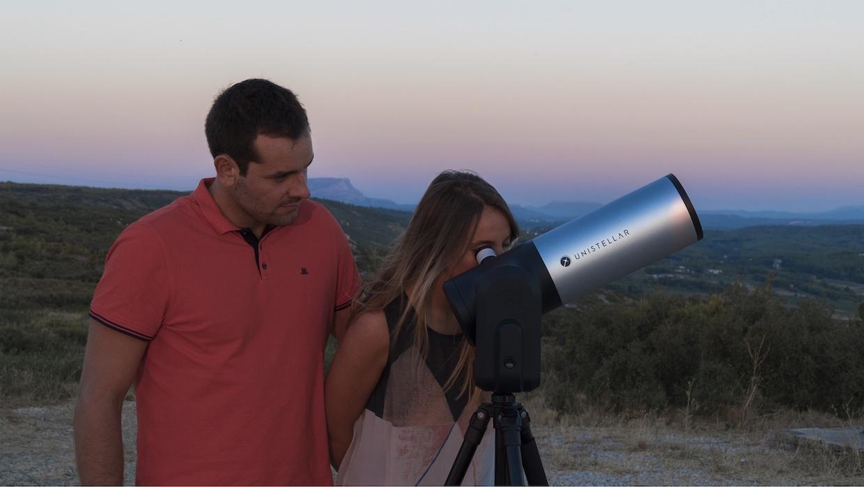 "Bildunterschrift: eVscope™ and ""finally you'll see"". (Bildquelle: Unistellar)"